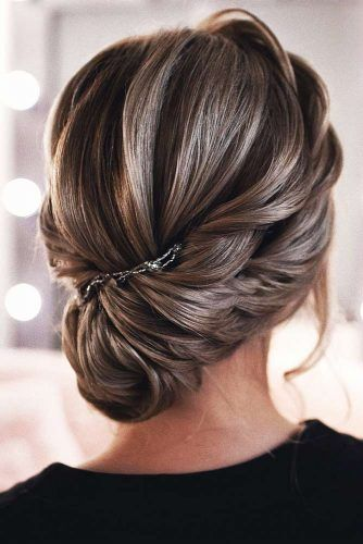 Charming Updos To Wear At Date Night #mediumlength #updo
