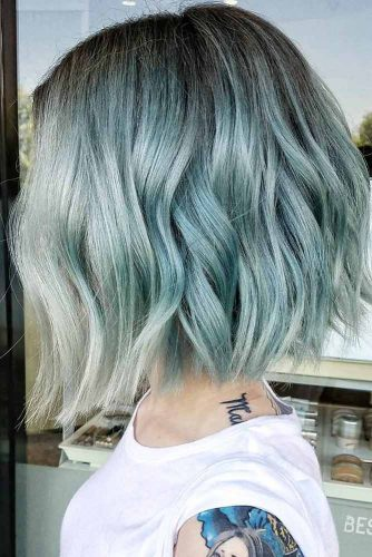 Charming Wavy Hairstyles in Pastel Shades picture 3