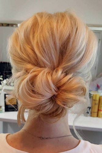 Low Bun Hairstyles picture2