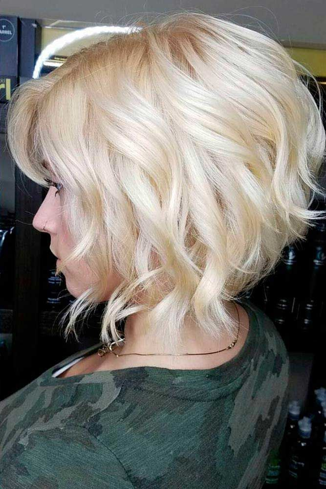 Short And Sexy Curly Bob #bobhaircut #haircuts