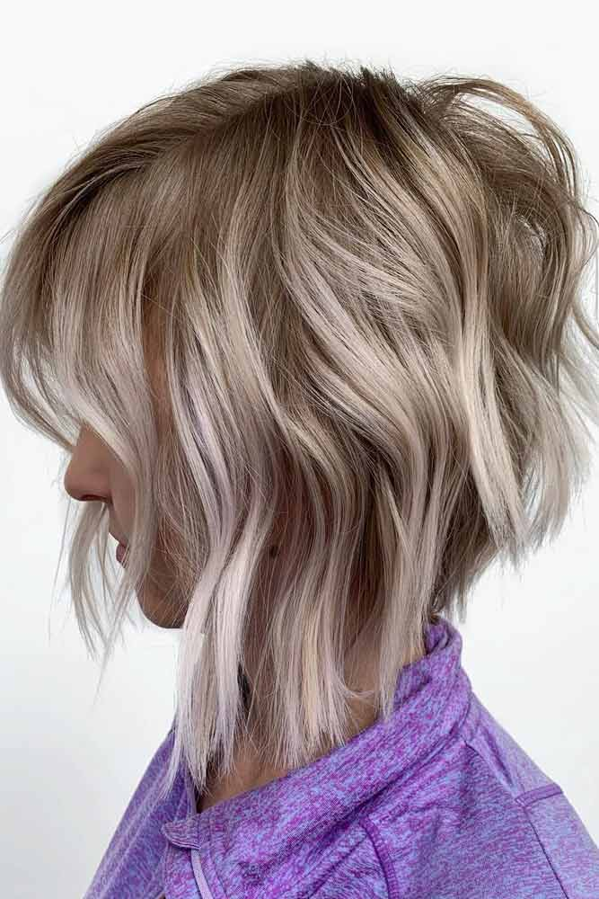 Wavy Medium Blonde Bob #bobhaircut #stackedbob #haircuts