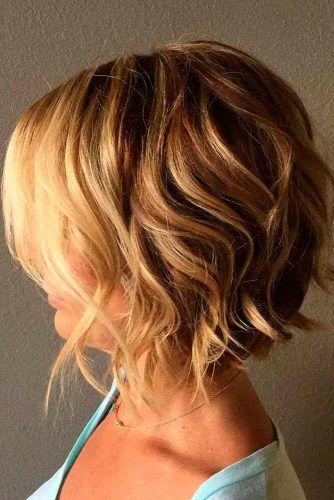 Messy Medium Stacked Bob #bobhaircut #haircuts