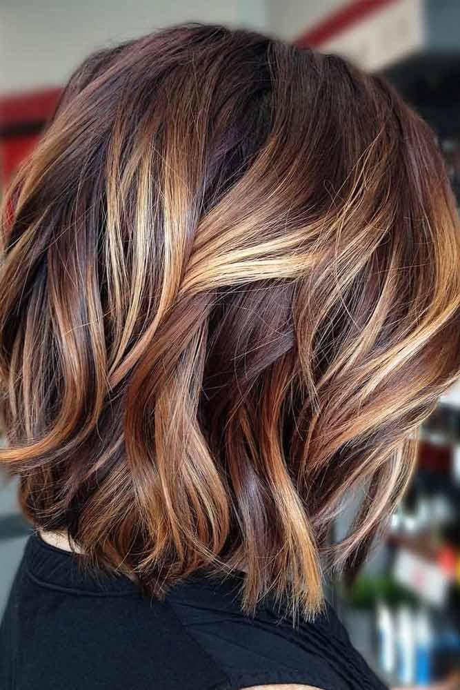 Wavy Lob With Sandy Highlights #bobhaircut #stackedbob #haircuts