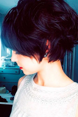 Short Hairstyles With Side Bangs picture 2