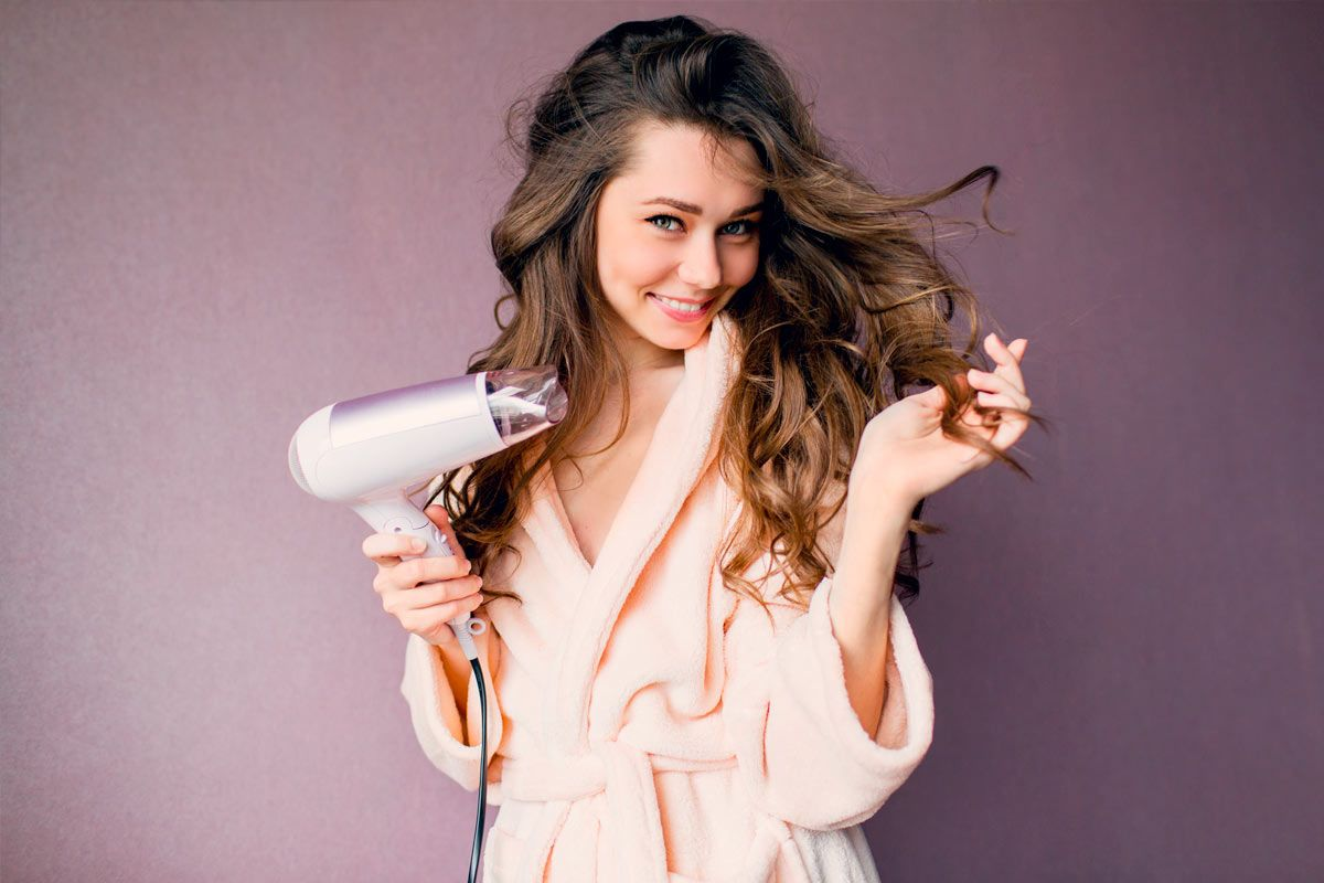 Secrets to Sexy Blowout Hair without Going to a Salon