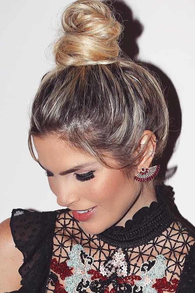 Messy Pretty Bun Hairstyles Sleek #mediumhair #mediumhairstyles