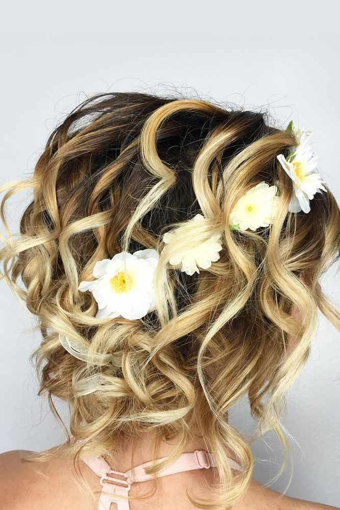 Wavy Updos Hairstyles For Medium Length Hair Headband #mediumhair #mediumhairstyles