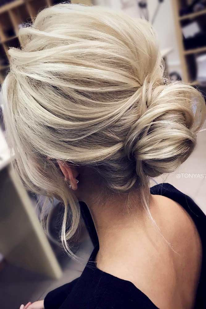 Medium Hair Updos Ideas Blonde #mediumhair #mediumhairstyles