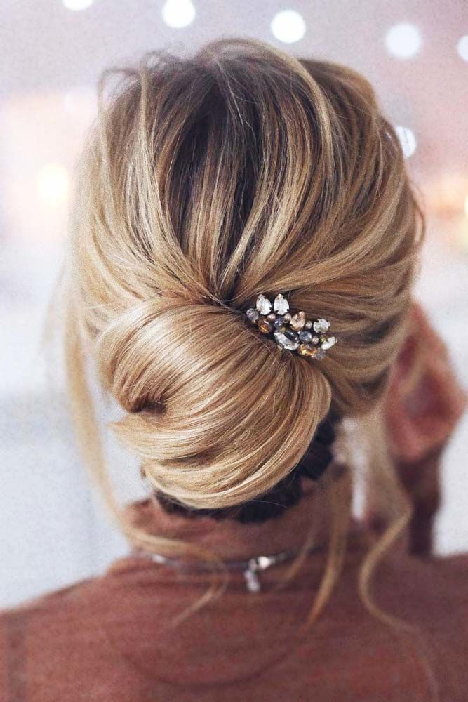 Wavy Low Updos Hairstyles Accessories #mediumhair #mediumhairstyles