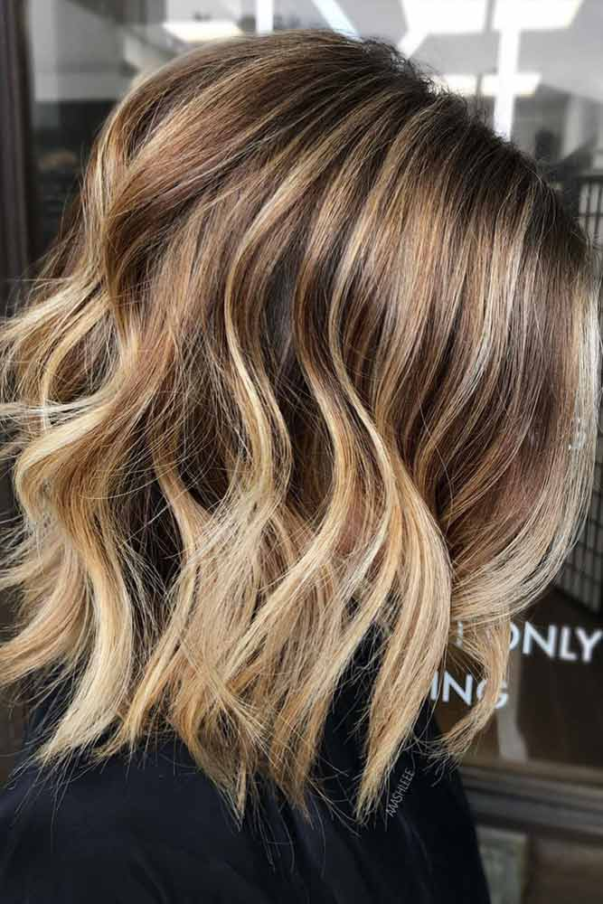 Layered Wavy Lob With Caramel Balayage #mediumhair #lobhaircut