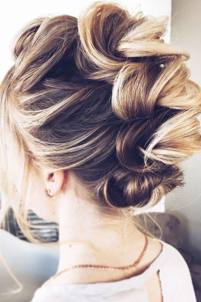 Outstanding Knotted Hairstyles Brunette #mediumhair #mediumhairstyles