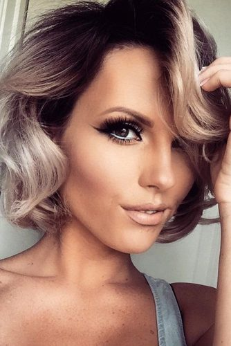Slight Sensual Wavy Bob Hairstyles
