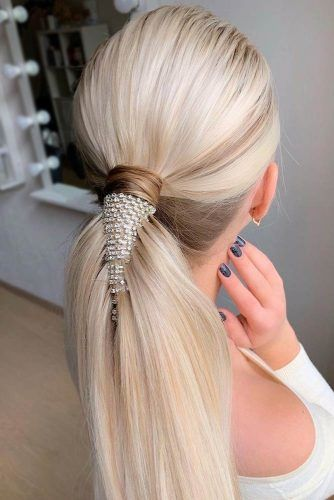 Low Ponytails Blonde #winterhairstyles