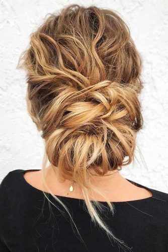 Updo Messy Winter Hairstyles #updo #messyhair