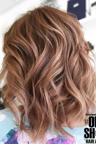 Layered Perfect Beach Wavy Hairstyles #wavyhair #mediumhair