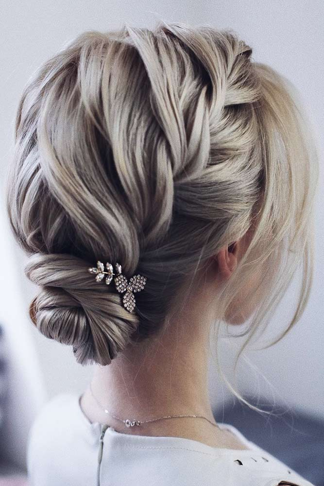 Cute Braided Short Hair Styles #braids #shorthair #buns #updo