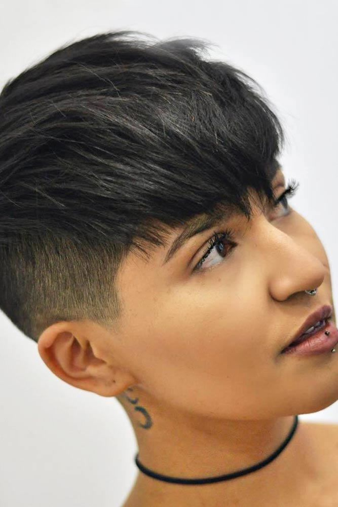 Layered Pixie With Punk Like Undercut #shorthaircuts #layeredhaircut #haircuts