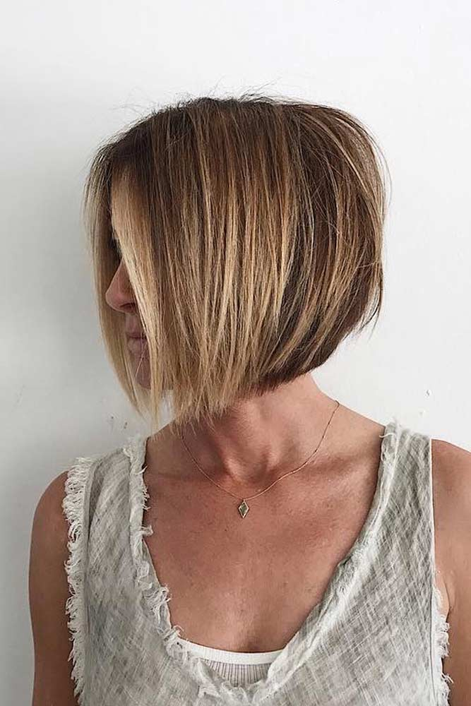 Middle Parted Layered Bob Haircut #shorthaircuts #bobhaircut #layeredhaircut #haircuts