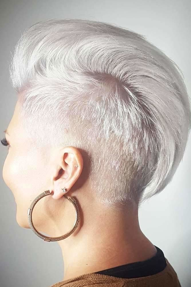 Blonde Layered Pixie With Punk Like Undercut #shorthaircuts #layeredhaircut #haircuts