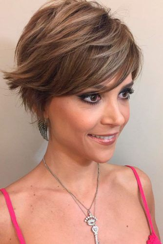 Side Swept Pixie Layered Haircut #shorthaircuts #pixiecut #layeredpixie