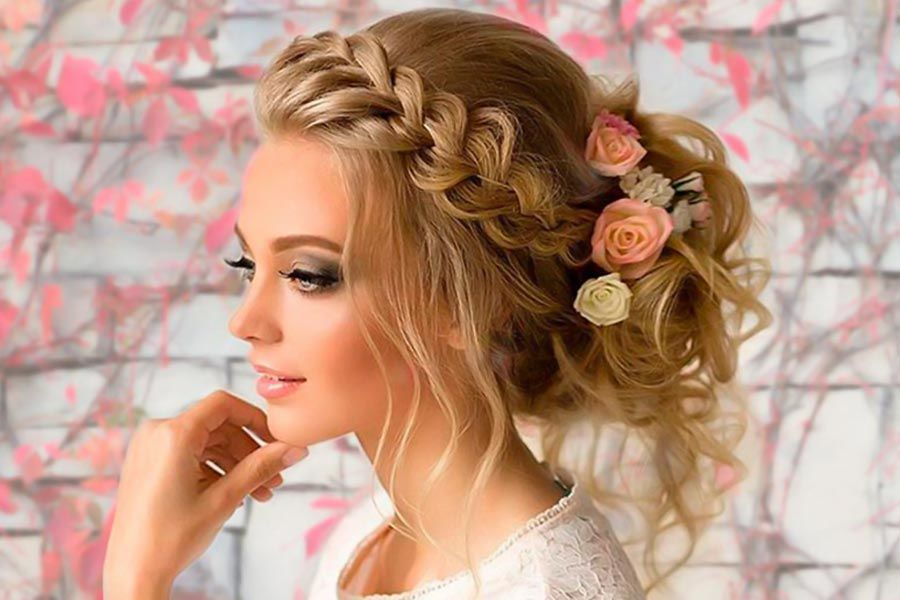 Beautiful Updo Hairstyles for Bridesmaids
