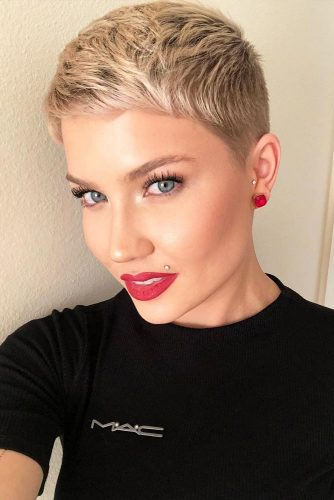 Short Textured Blonde Pixie #blondehair #pixie @shorthair