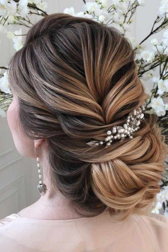 Updo Hairstyles for Elegant Bridesmaids picture 6