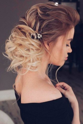 Updo Hairstyles for Inspiration picture3