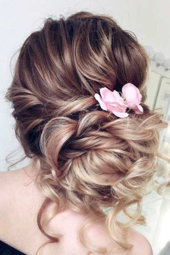 Cute Updos with Hair Flowers picture2