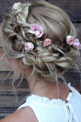 Cute Updos with Hair Flowers picture3
