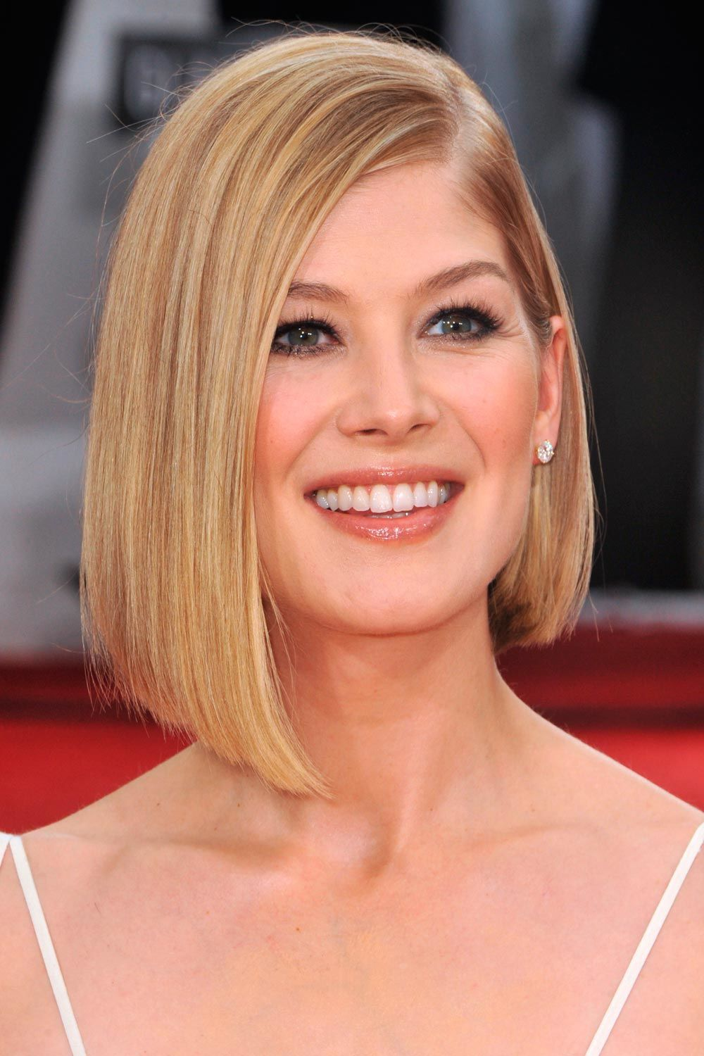 Side Parted Style For An Uneven Bob Haircut