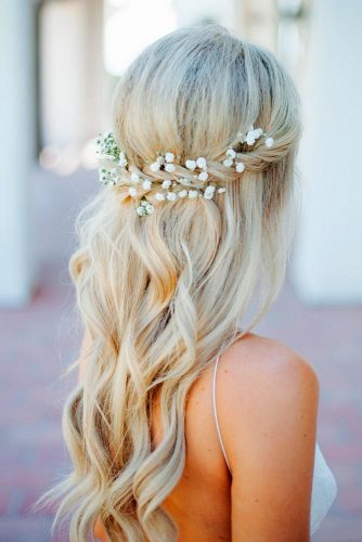 Adorable Hairstyles Crowned with Flowers picture 1
