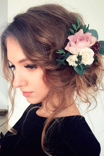 Bridesmaids Hairstyles with Beautiful Roses picture 1