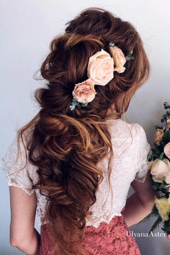 Bridesmaids Hairstyles with Beautiful Roses picture 2
