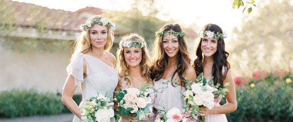 24 Charming Bridesmaids Hairstyles Completed With Flowers