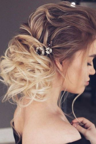 Easy Formal Hairstyles for Curly Hair picture 1