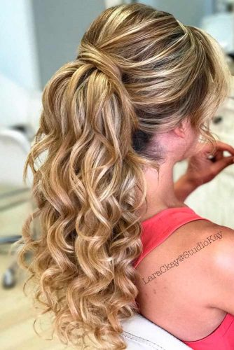 Half Up Half Down Prom Hairstyles to Look Amazing picture2