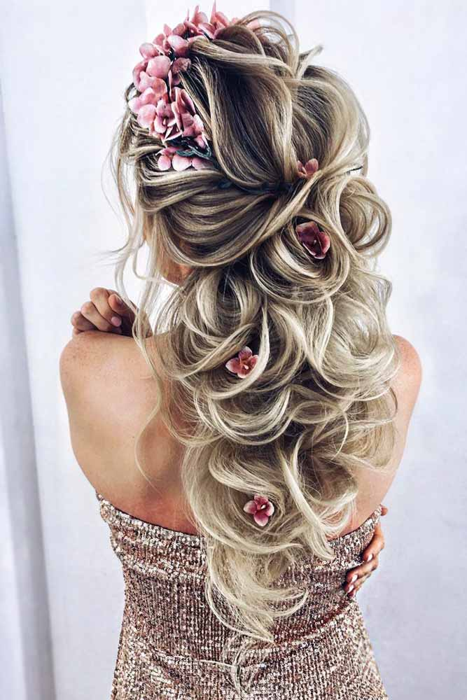 Half Up Half Down Prom Hairstyles With Headband Flowers #halfup