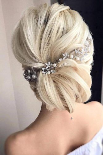 Headpiece Jewelry For Bun Updos Low #weddinghairstyles