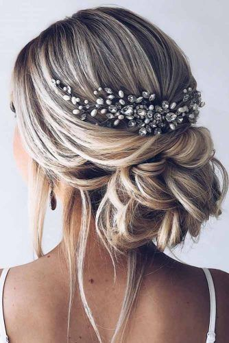 Back Headpiece Low Twist #weddinghairstyles