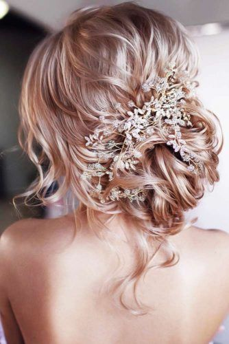 Back Headpiece Wavy Twist #weddinghairstyles