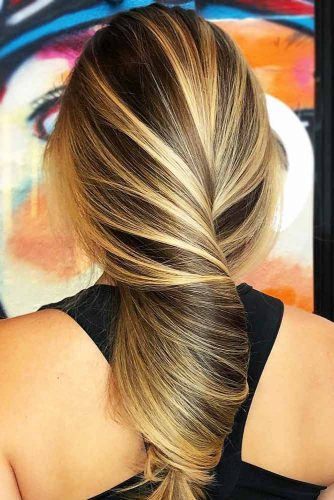Brown Highlighted Hair With Golden Blonde Streaks #brunette #blondehair #highlights