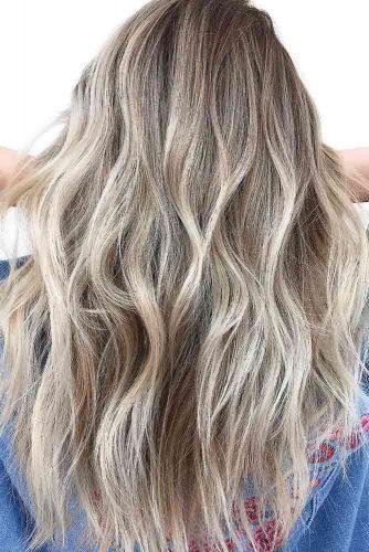 Dark Blonde Highlighted Hair #longhair #wavyhair #blondehair