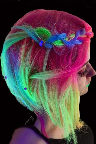 Glow-In-The-Dark Hair picture2