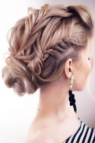Romantic and Lovely Updos Hairstyles picture 3