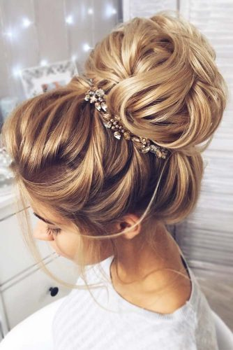 Amazing Bun Hairstyles Golden Color #updohairstyles #longhair #promhairstyles #promhair #hairstyles