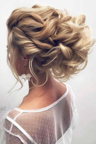 Updos Hairstyle which will Make You the Queen of the Ball picture1