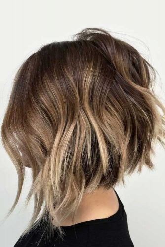 Inverted Layered Bob #layeredbobhairstyles #layeredbob #hairstyles #haircuts #longbob