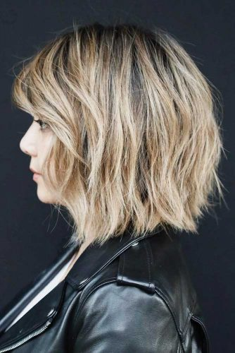 Middle Parted Lob For Thick Hair #layeredbobhairstyles #layeredbob #hairstyles #haircuts