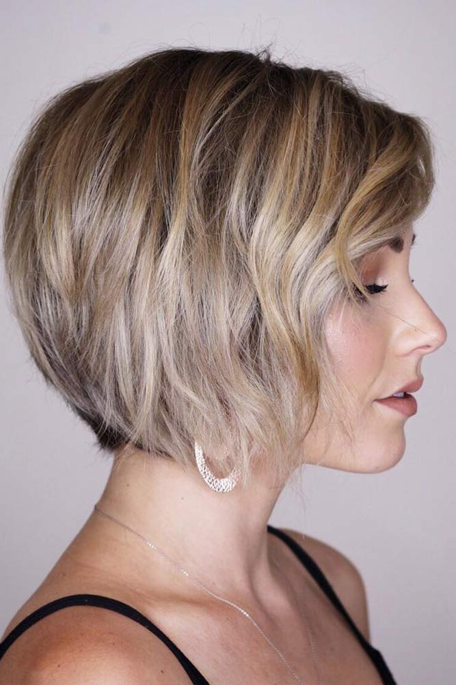 Straight Layered Bob With Side Swept Bangs #layeredbobhairstyles #layeredbob #hairstyles #haircuts